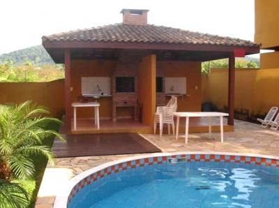area-de-lazer-com-piscina-com-churrasqueira-1