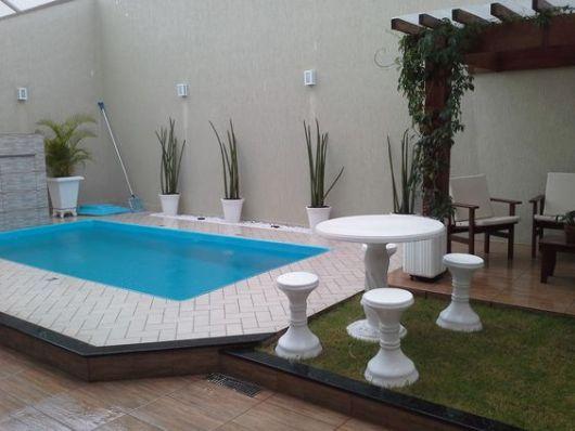 Rea de lazer com piscina dicas plantas gr tis e de 30 projetos - Decoracion piscinas pequenas ...
