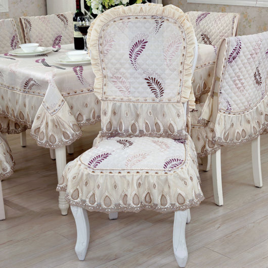 capa-para-cadeiras-e-poltronas-com-renda