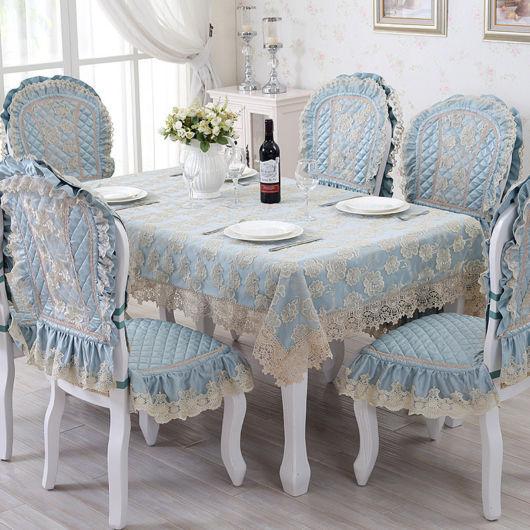 capa-para-cadeiras-e-poltronas-de-renda-azul
