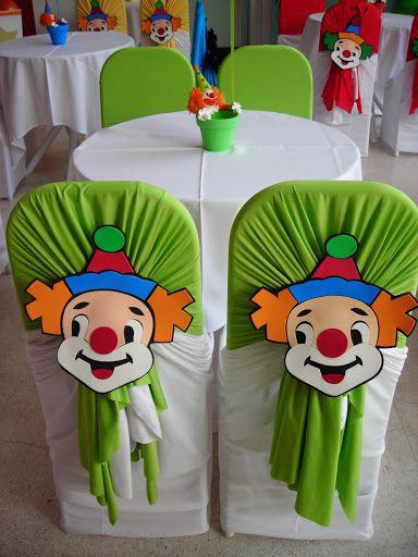 capa-para-cadeiras-e-poltronas-palhaco