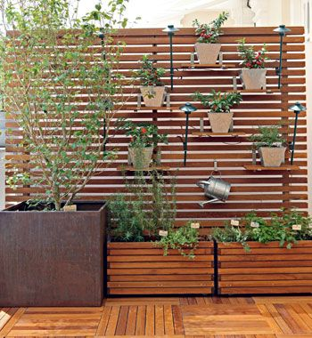 vasos-para-jardim-de-madeira