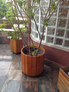 vasos-para-jardim-feito-de-madeira