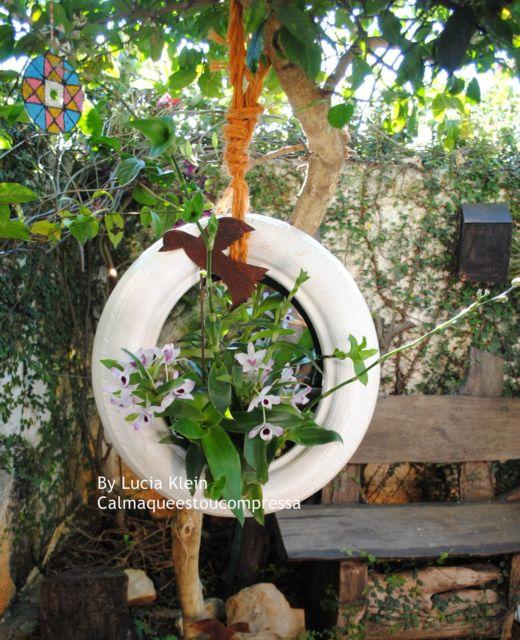 vasos-para-jardim-pneu-pendurado-branco