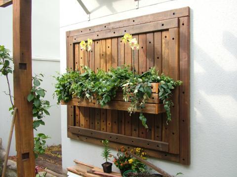 vasos-para-jardim-suspenso-de-madeira