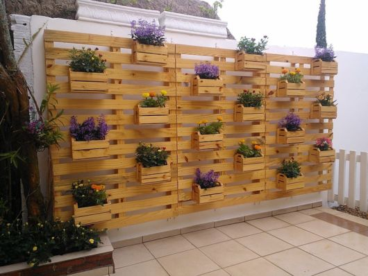 vasos-para-jardim-suspenso-madeira-clara