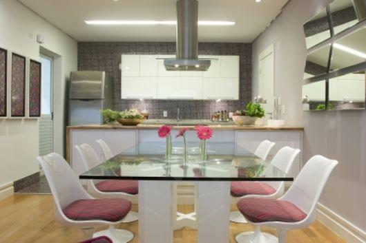 mesa de jantar na cozinha