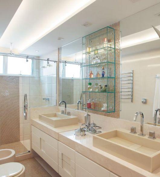 prateleira de vidro banheiro