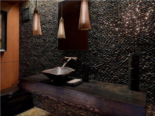 banheiro-rustico-com-pedras