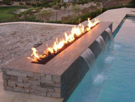 cascata-moderna-piscina