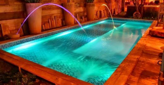cascata-para-piscina-com-jato-laminar