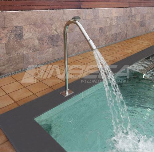 cascata-para-piscina-de-inox-como-e