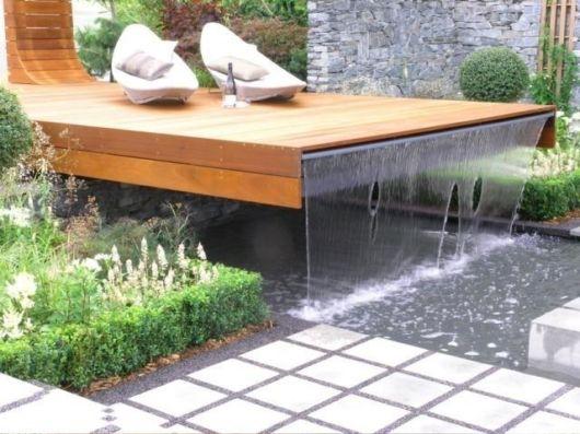 cascata-para-piscina-de-madeira
