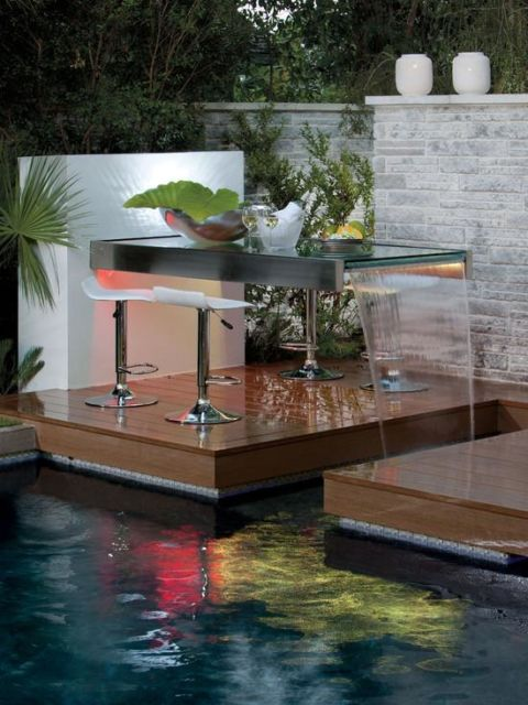 cascata-para-piscina-de-vidro