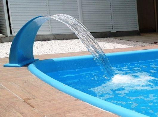 Cascata para piscina ideias e de 50 modelos lindos for Fibra para piscina