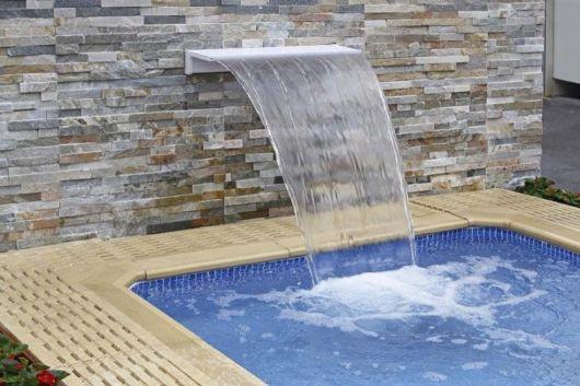 cascata-para-piscina-fibra