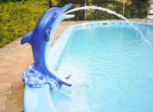 cascata-para-piscina-ideias-golfinho