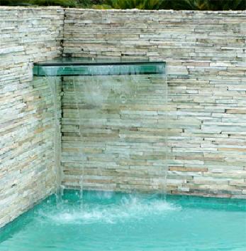 cascata-para-piscina-vidro