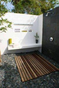 onde colocar chuveiro para piscina