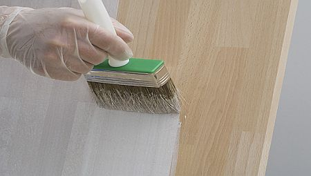 como-pintar-porta-de-madeira-em-casa