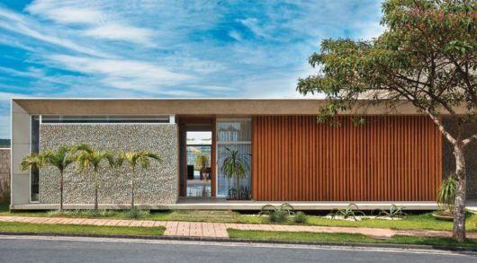 concreto-aparente-casa-com-acabamento-ripado