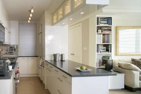 cozinha-americana-pequena-bancada-corredor