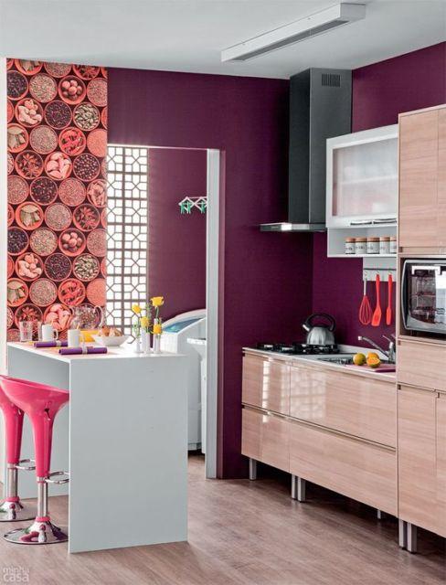 cozinha-americana-pequena-coloridas