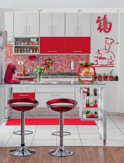 cozinha-americana-pequena-vermelho