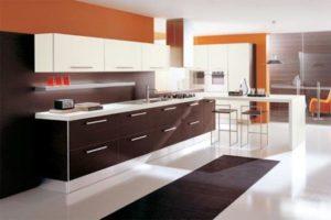 cozinha clean com penísula branca