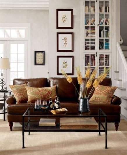 Sala com sof marrom ideias melhores combina es e 30 fotos for Camel leather sofa decorating ideas
