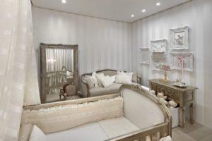decoracao-classica-em-quarto-com-papel-de-parede
