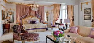 decoração clássica para quarto de casal romântica