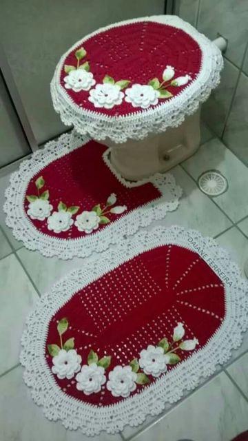 modelo branco e vermelho