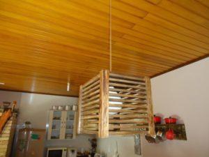 luminárias rústicas de madeira