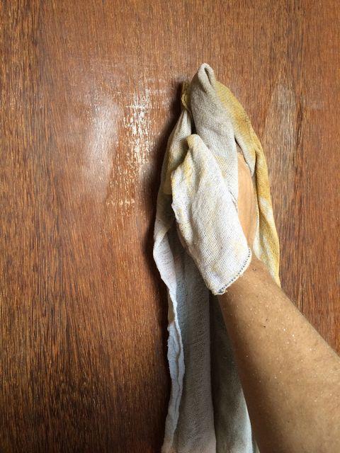 passo-a-passo-como-pintar-porta-de-madeira