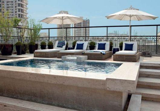 piscina-acima-do-solo-com-concreto