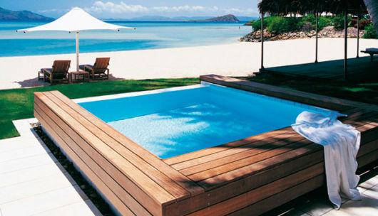 piscina-acima-do-solo-com-deck-de-madeira