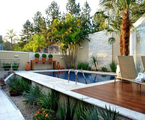 Piscina acima do solo elevada vantagens dicas e 24 modelos for Piscinas para patios pequenos