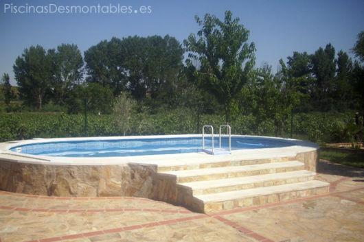 piscina-acima-do-solo-pedras