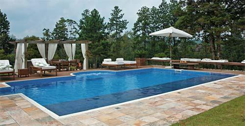 piscina-com-hidro-e-prainha-com-deck-2