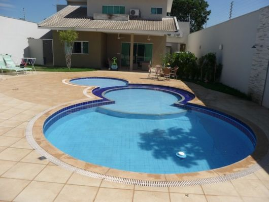 piscina-com-hidro-e-prainha-design-redondo