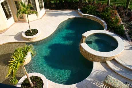 piscina-com-hidro-e-prainha-destaque-como-e