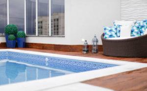 fotos de piscina na laje