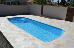piscina na laje de fibra de vidro