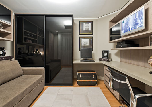 quarto-de-hospedes-com-sala-de-tv-pequena
