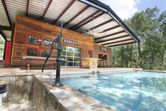 rustico-area-de-lazer-com-piscina