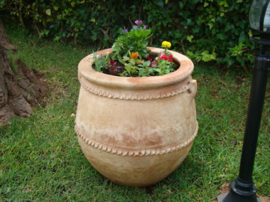 vasos-para-jardim-de-barro-bem-grande