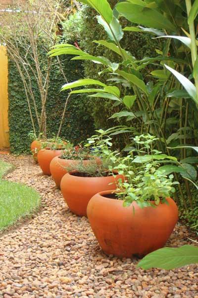 Vasos para jardim modelos dicas e de 90 fotos para for Jardines redondos pequenos