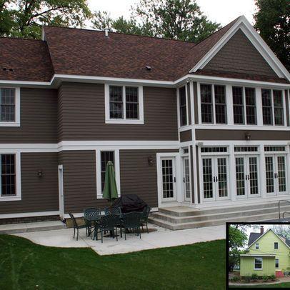 casa-marrom-com-telhado-aparente