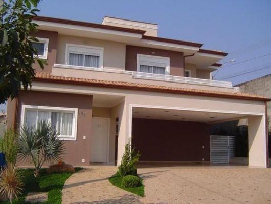 casa-marrom-com-telhado